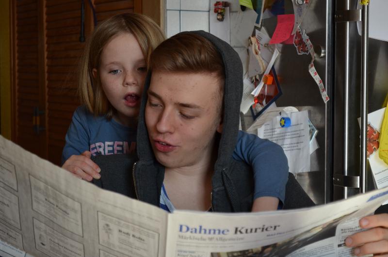 Beim Zeitung lesen