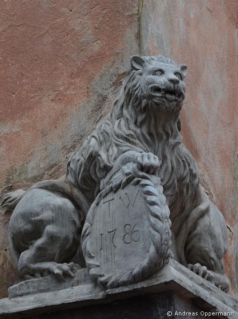 Wappenlöwe am Hauseck
