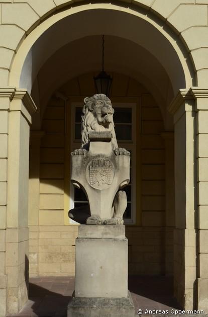 Wappenlöwe vor dem Rathaus