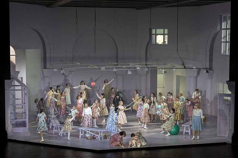 Andreas Schager als Parsifal und die Blumenmädchen (Staatsoper Berlin | Foto: Ruth Walz)