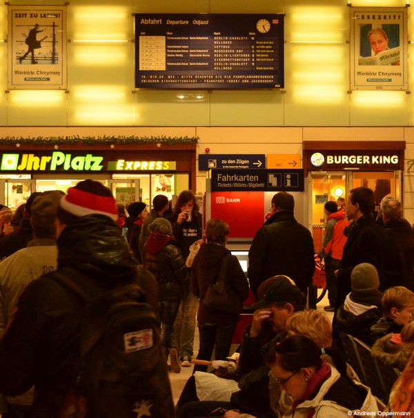 Die MOZ weiß, was beim Warten auf den Zug hilft (s. oben).