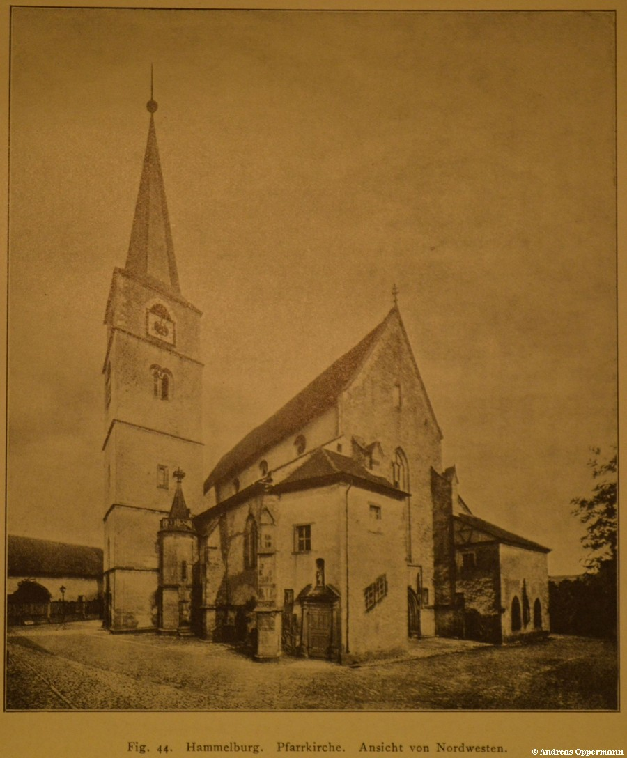 Stadtpfarrkirche Hammelburg um 1915 (lange vor der Verlängerung nach Süden)