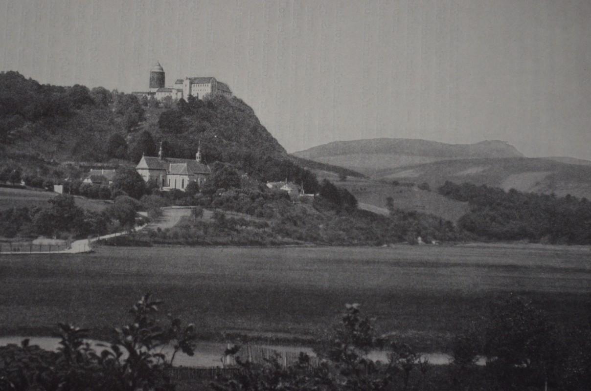 Blick auf Kloster Altstadt und Schloss Saaleck um 1915