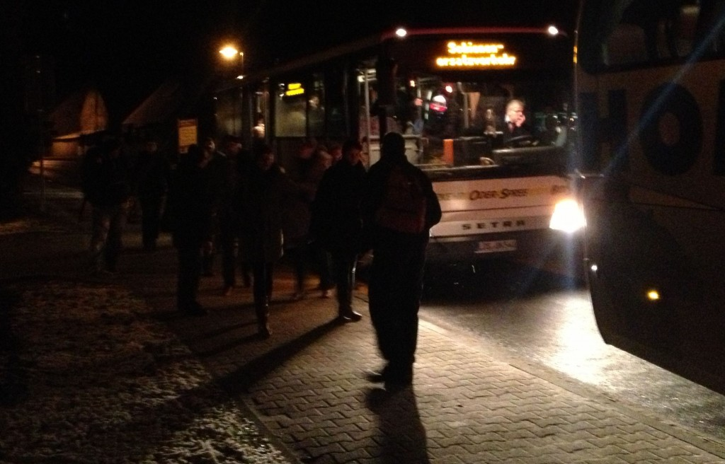 Schienenersatzverkehr, Bus zwei erreicht Jacobsdorf.