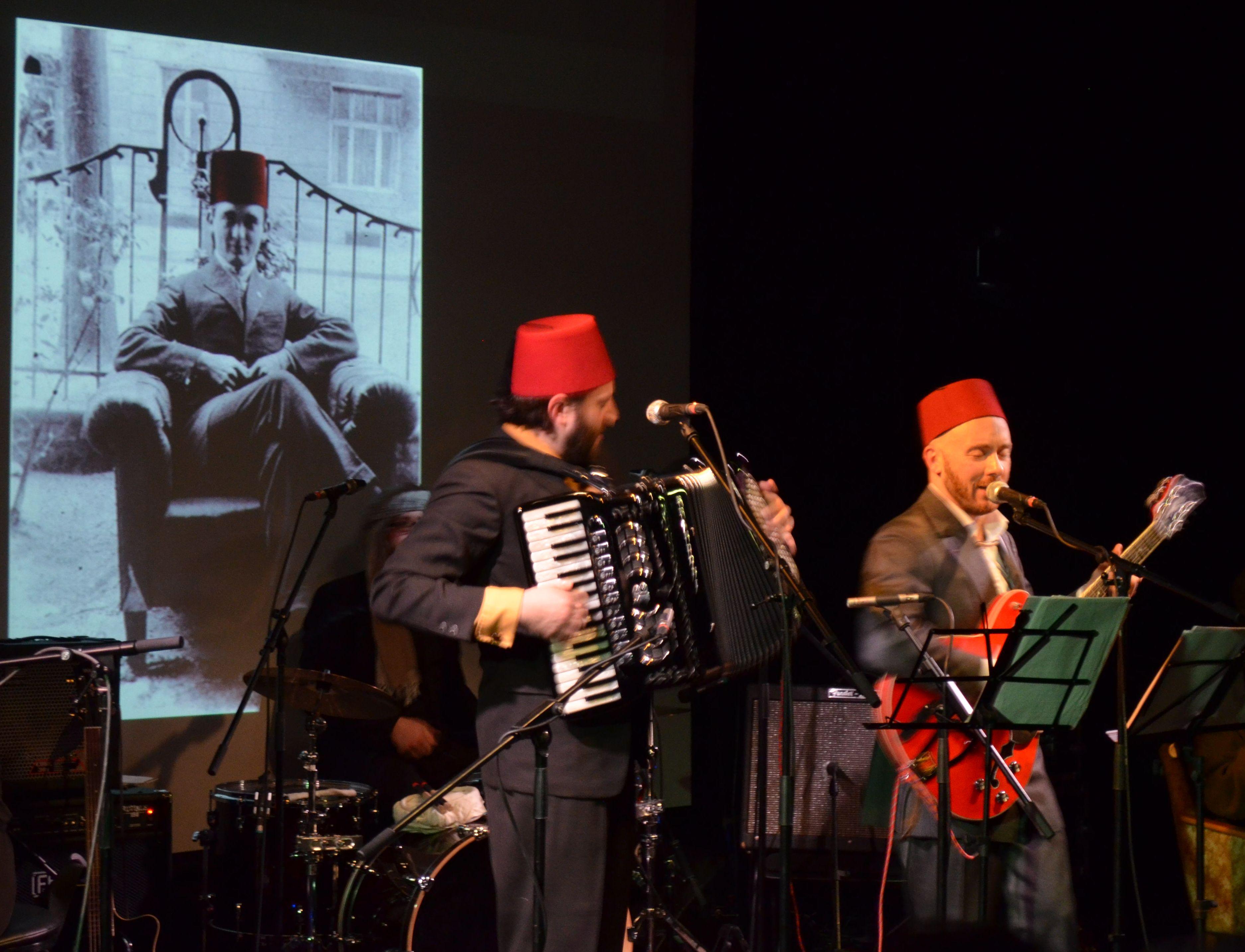 Die Essad Bey City Rollers am 18. Dezember 2014 im Studio R des Gorki-Theaters.