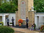 Der Kranz des Bundespräsidenten am Ehrenmal für die sowjetischen Gefallenen