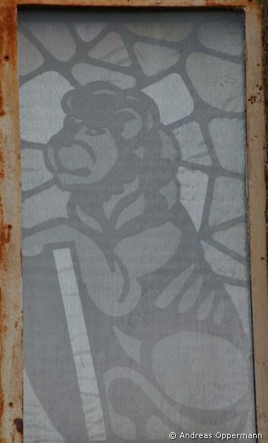 Löwe als Glasbild des Sendehauses auf dem Schlossberg